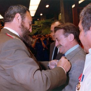 Escanear0011-con-Fidel-Castro_650x650
